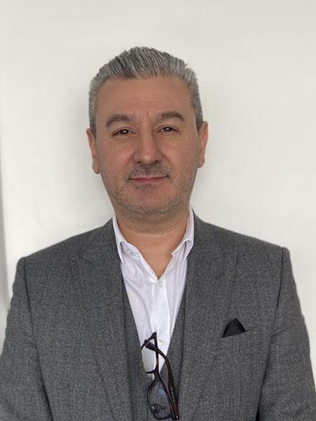 Franco Santoro Managing Director - Chariots