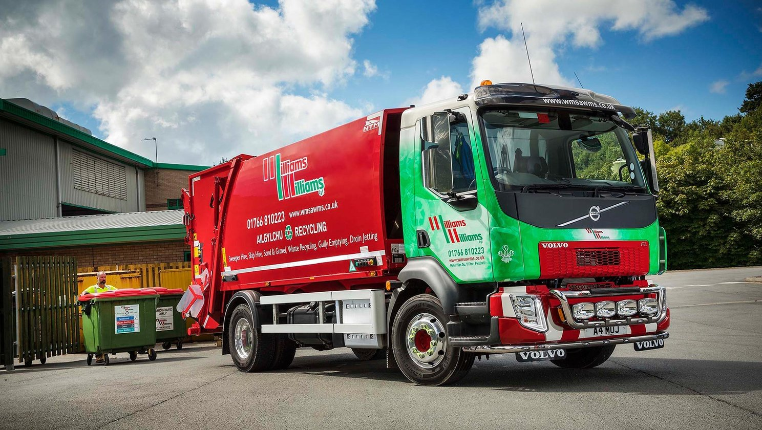 High profile FL 16 tonne RCV for Pwllheli's Williams & Williams