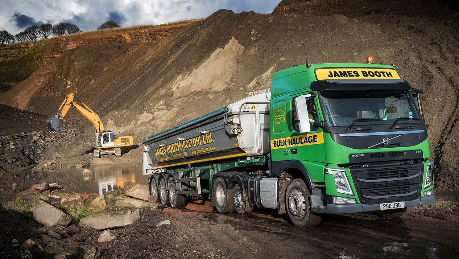 Five Payload Friendly FM tractor units seal the deal for James booth (Bolton) Ltd.