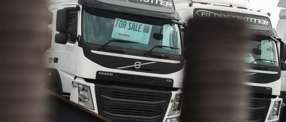 Recently, Don-Bur were on the lookout for two used Volvo FM's and approached Thomas Hardie Used Vehicle Sale's for recommendations.